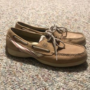 Sperry Topsiders. Size 8.